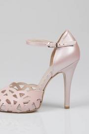 Ροζ νυφικές γόβες
