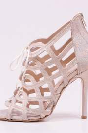 Ροζ παπούτσια νύφης