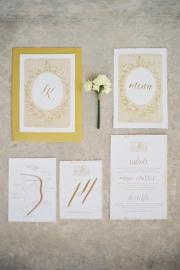 Χρυσά προσκλητήρια γάμου
