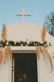 Στολισμός εκκλησίας με γήινες αποχρώσεις