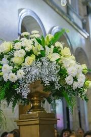 Διακόσμηση γάμου με λευκό και χρυσό