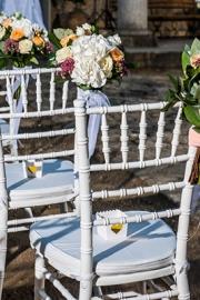 Στολισμός εκκλησίας με λουλούδια