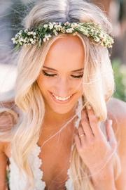 Φυσικό στεφάνι νύφης με λουλούδια