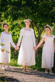 Φορέματα για παρανυφάκια για γαμο σε νησί