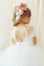 Μοντέρνο φορεματάκι για παρανυφάκι