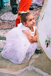 Λευκό φόρεμα από τούλι για παρανυφάκι