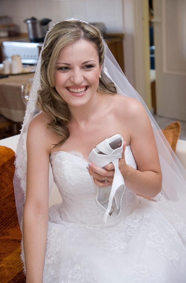 γαμος ρομαντικος νυφη με νυφικο demetrios