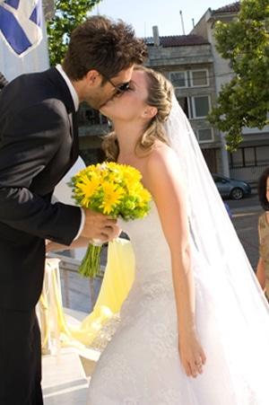 γαμος ρομαντικος κιτρινο χρωμα μαργαριτες