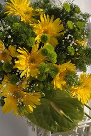 στολισμος εκκλησιας μαργαριτες λουλουδια