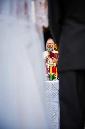 γαμος προαυλιο εκκλησιας αγιος γεωργιος καβουρι