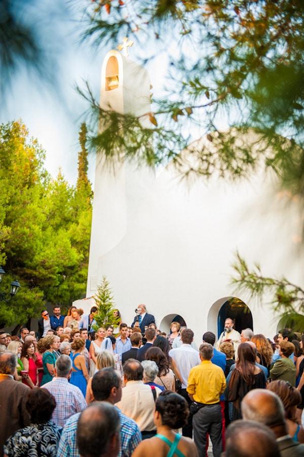 εκκλησια αγιου γεωργιου γαμος προαυλιο