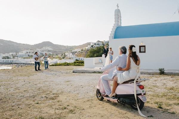 αφιξη νυφης εκκλησια