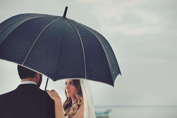 φωτογραφηση-γαμου-με-βροχη