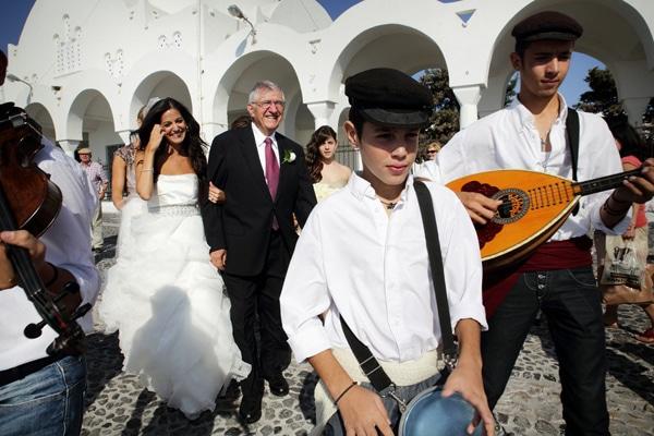 γαμος-στη-σαντορινη-φωτογραφιες