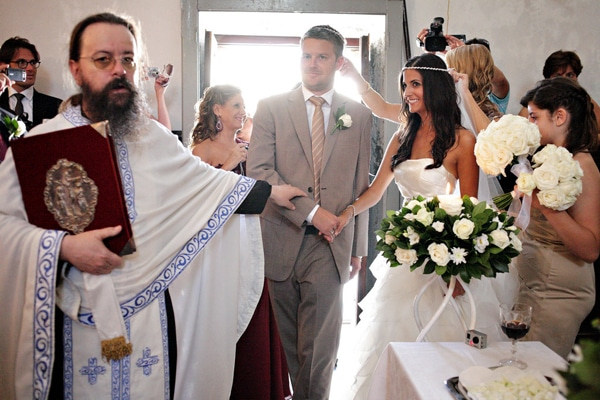 στολισμος-εκκλησιας-γαμου-ιδεες