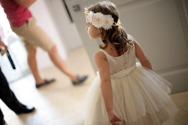φορεματα-για-παρανυφακια-στεφανια