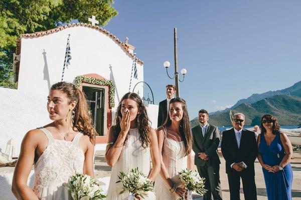 αφιξη-νυφης-εκκλησια