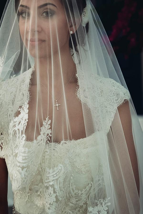 νυφικο-Monique-Lhuiller