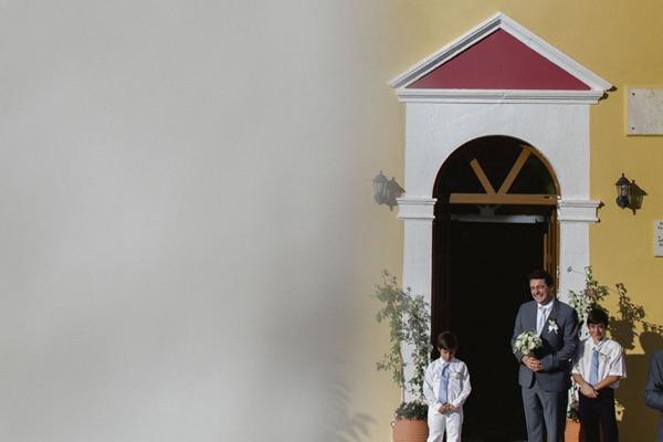 αφιξη-νυφης-εκκλησια-γαμπρος