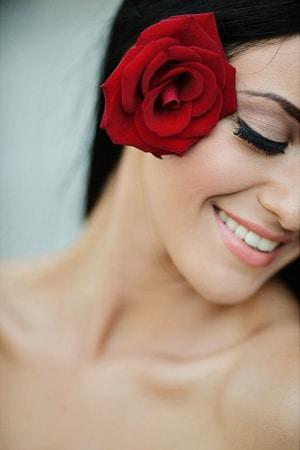 κοκκινα-τριανταφυλλα-γαμος
