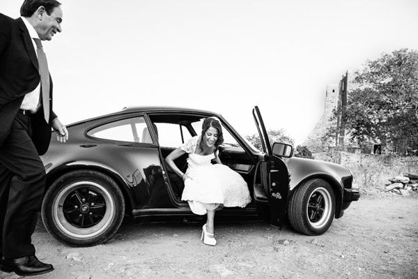 αφιξη-της-νυφης-με-αυτοκινητο