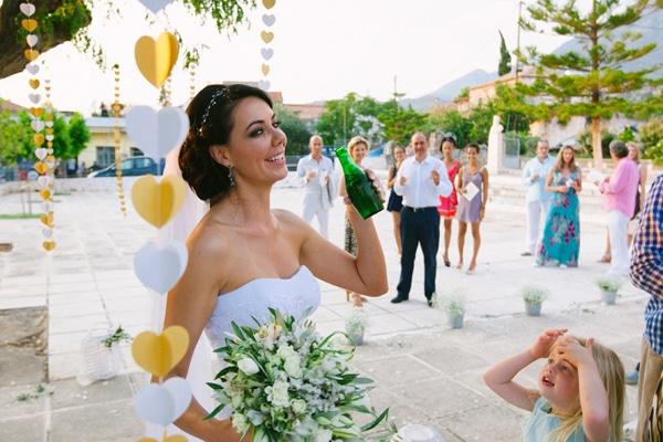 εξωτερικος-στολισμος-εκκλησιας-για-γαμο