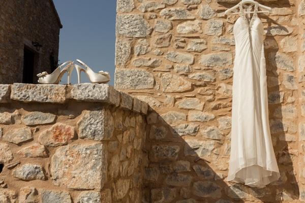 νυφικα-φορεματα-α-γραμμη-pronovias