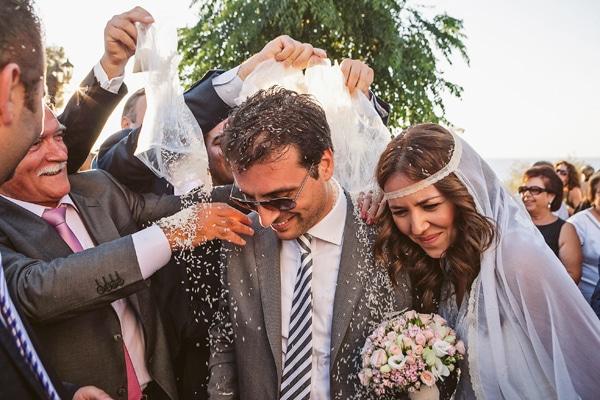 γαμος-στην-κρητη-ρυζι