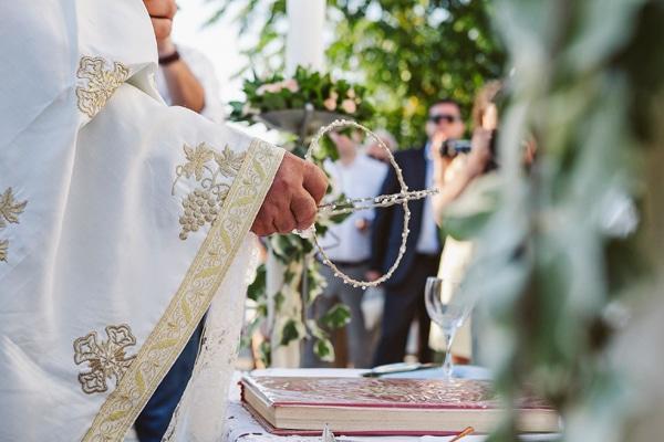 γαμος-στην-κρητη-στεφανα