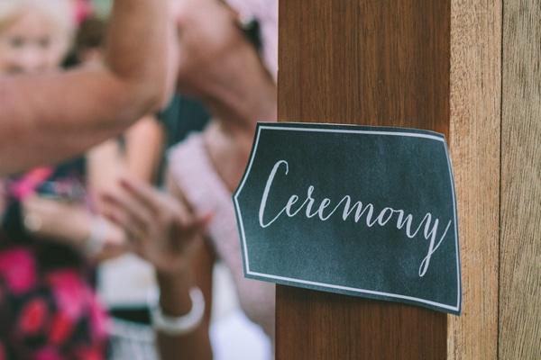 πρωτοτυπη-διακοσμηση-γαμου