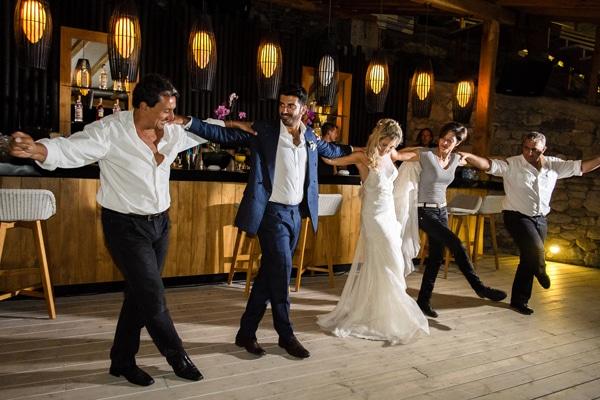 χοροι-για-δεξιωση-γαμου-μυκονος