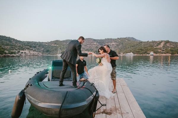 γαμος-σε-νησακι-εικονες