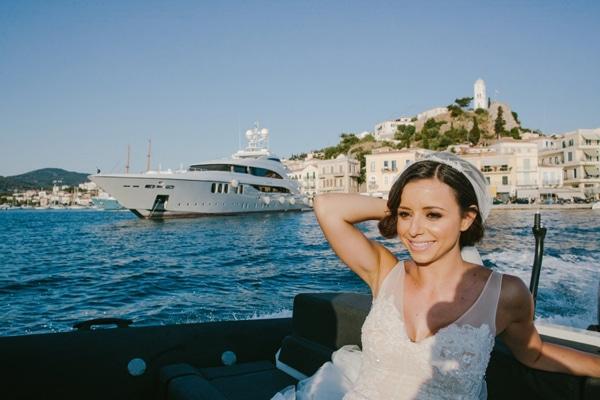 γαμος-σε-νησι-νυφικο