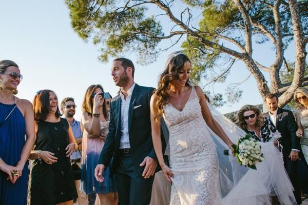 ρομαντικο-νυφικο-φορεμα-για-γαμο-σε-νησι