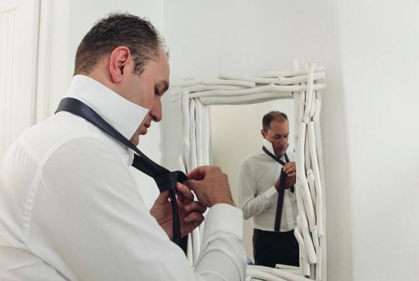 γαμος-σε-χαλκιδικη-προετοιμασια-γαμπρου