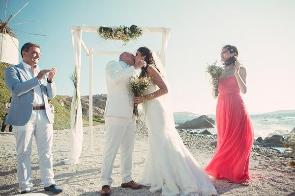 γαμος-στη-μυκονο-στη-παραλια