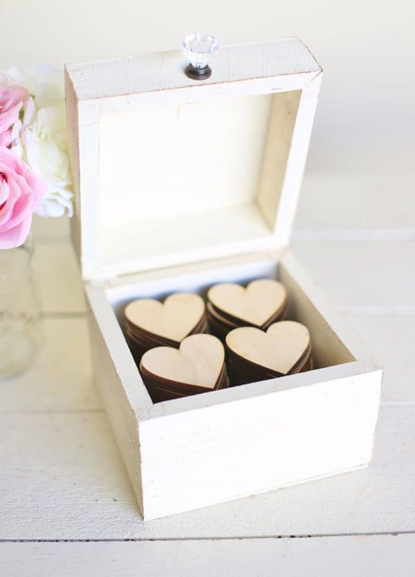 κουτι-για-ευχες-σε-γαμο