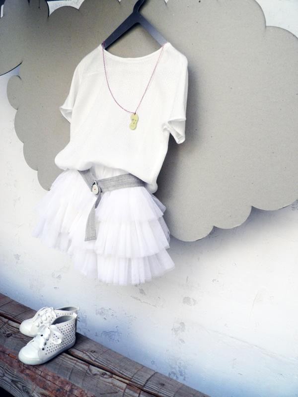 μοντερνα-φορεματακια-για-παρανυφακια