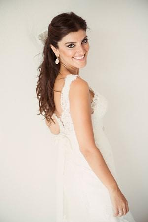 νυφικα-φορεματα-για-γαμο-σε-παραλια