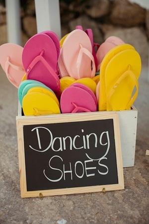 πρωτοτυπες-ιδεες-γαμου-παπουτσια-για-χορο
