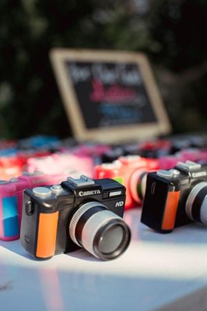 πρωτοτυπες-ιδεες-γαμου-φωτογραφικες-μηχανες-μιας-χρησης