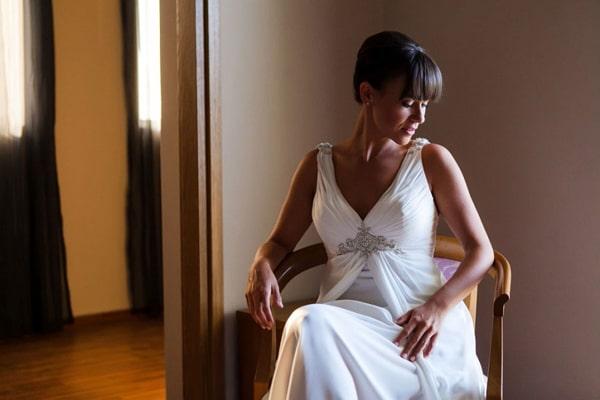 ασπρο-φορεμα-για-γαμο