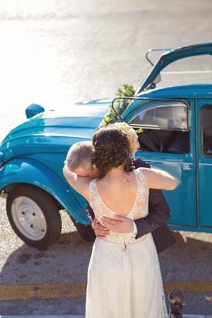 γιρλάντα-λουλουδιών-διακοσμηση-αυτοκινητου-γαμου