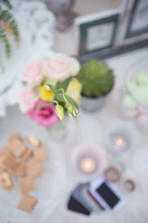λουλούδια-γάμου-παλ-κίτρινα-μωβ-ροζ-απαλό