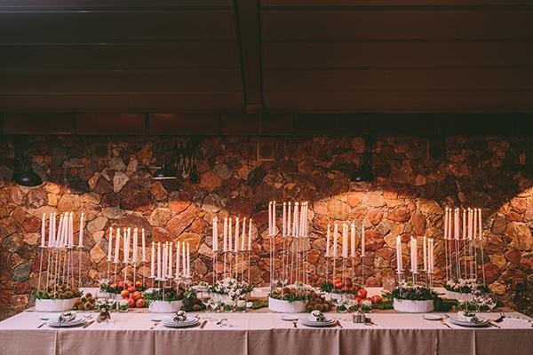 Τραπέζι-καλεσμένων-για-γαμο-Χριστούγεννα
