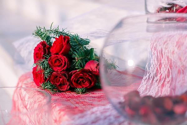 ανθοδέσμη-κατακόκκινα-τριαντάφυλλα