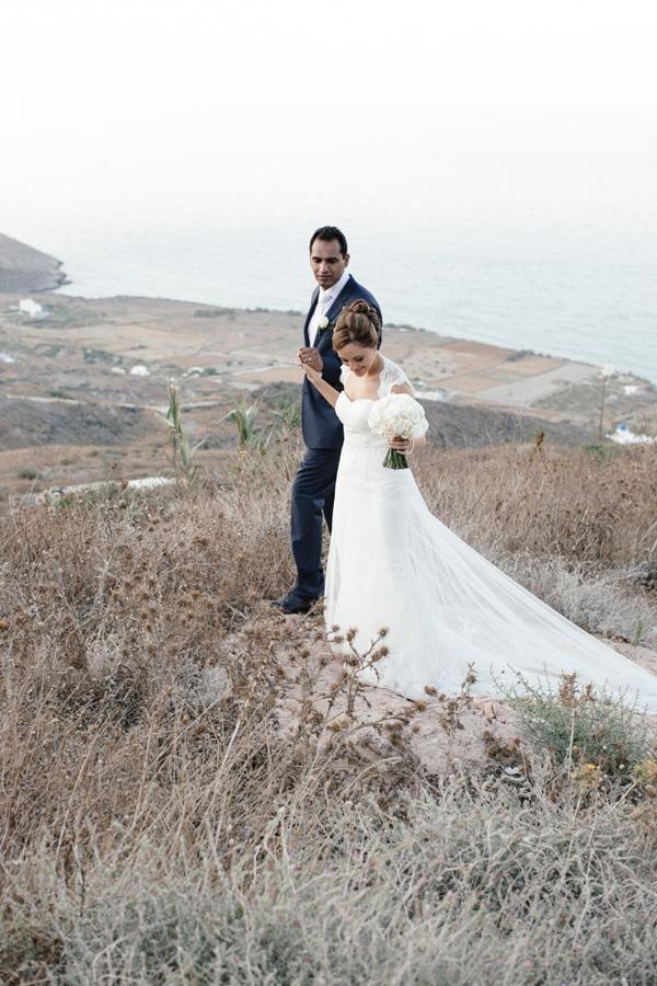 γαμος-σε-νησι-σαντορινη-6