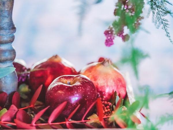 blush-burgunday-wedding-decorations-1