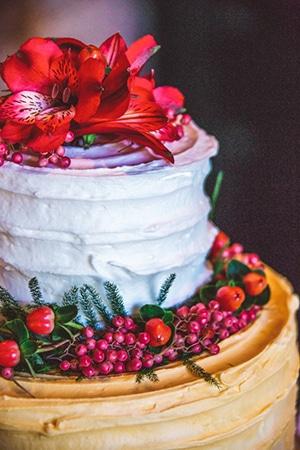 blush-burgunday-wedding-decorations-3