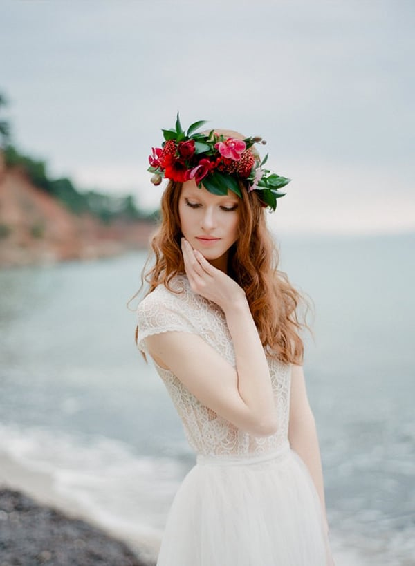 red-winter-bridal-shoot